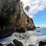 Водопад на пляже Кастро